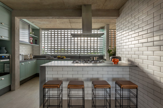115S Apartment / SAINZ arquitetura