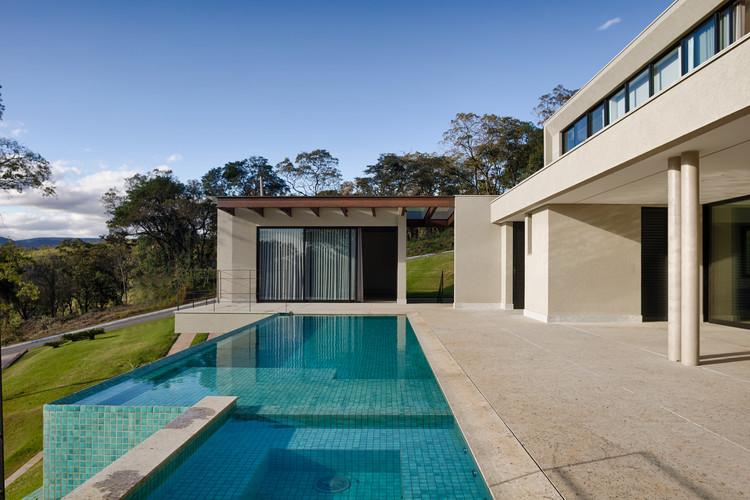 Residência Casa Branca / Roziane Faleiro Arquitetura e Design, © Gustavo Xavier