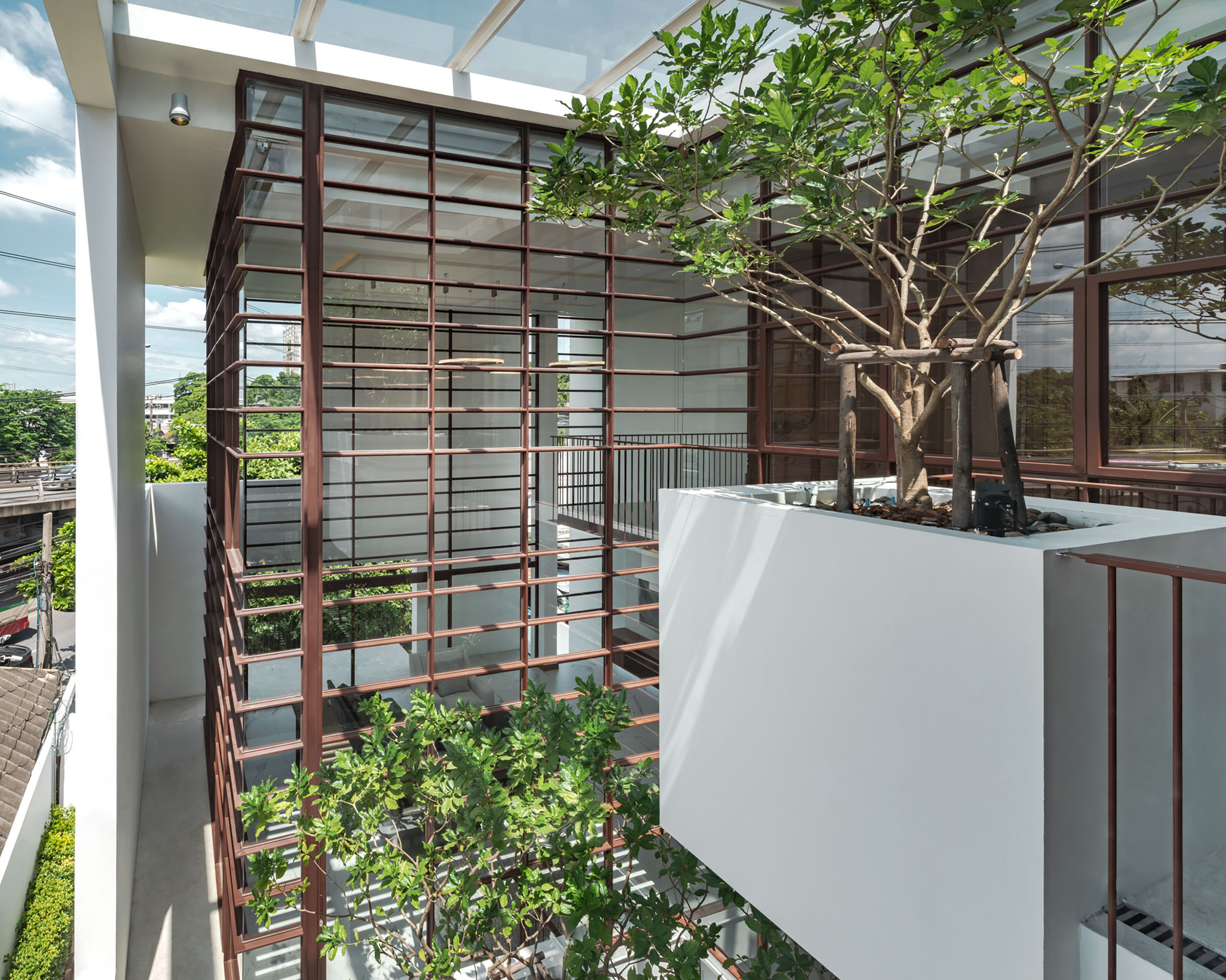 Floated Tree House / Anonym