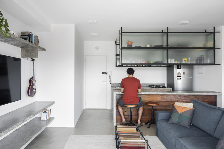 Apartamento Vila / SOEK Arquitetura, © Carolina Lacaz