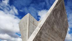 Capela de Nova Serrana / Kruchin Arquitetura