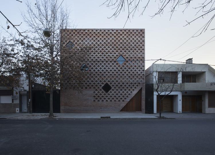 Casa de Ladrillos / Diego Arraigada Arquitectos, © Gustavo Frittegotto