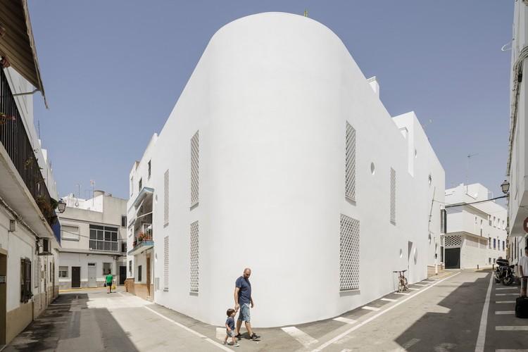 Hotel Conil / Kauh Arquitectos, © Fernando Alda