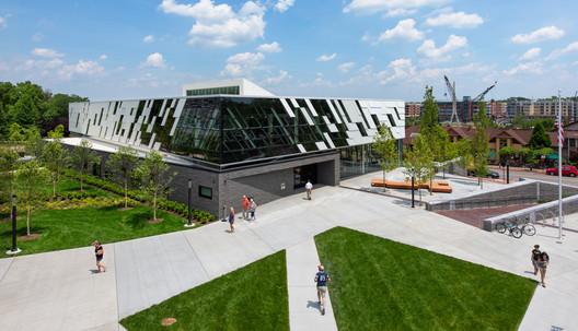 Columbus Metropolitan Library Dublin Branch / NBBJ