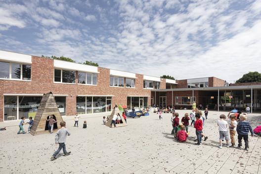 Escuela Valle Verde / HASA