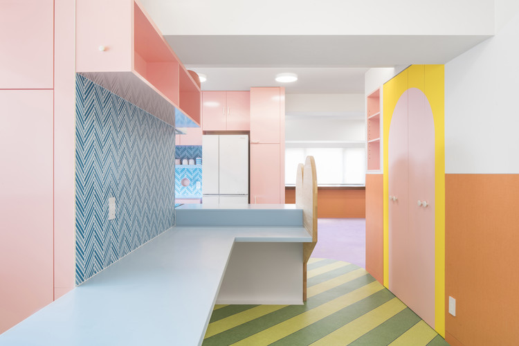 Nagatacho Apartment / Adam Nathaniel Furman, © Jan Vranovsky