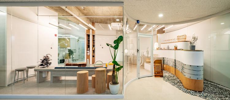 Malocclusion Dental Clinic / STARSIS, © Hong Seokgyu