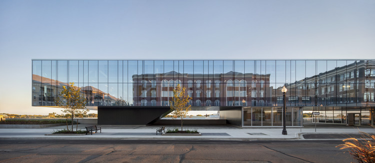 Laurier Brantford YMCA / CannonDesign	, © Adrian Williams