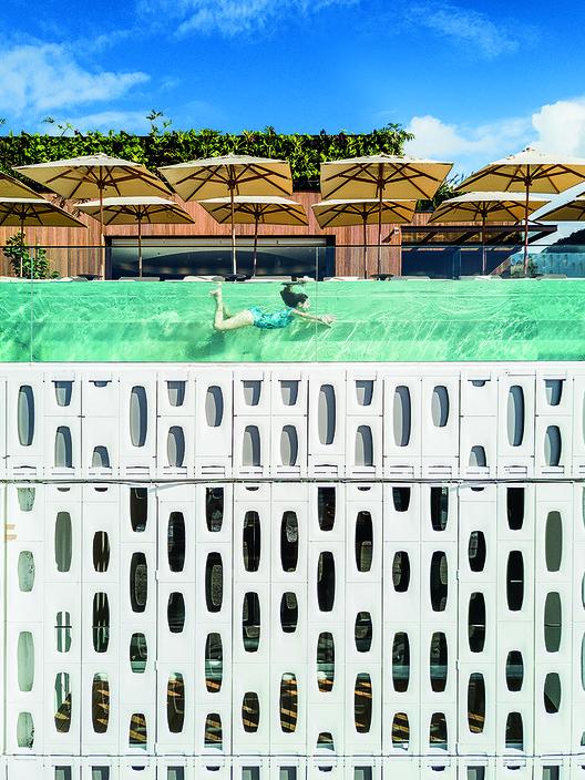Diferentes modos de hospedar: 10 projetos de hotéis brasileiros, Emiliano RJ / Studio Arthur Casas - © Fernando Guerra | FG+SG