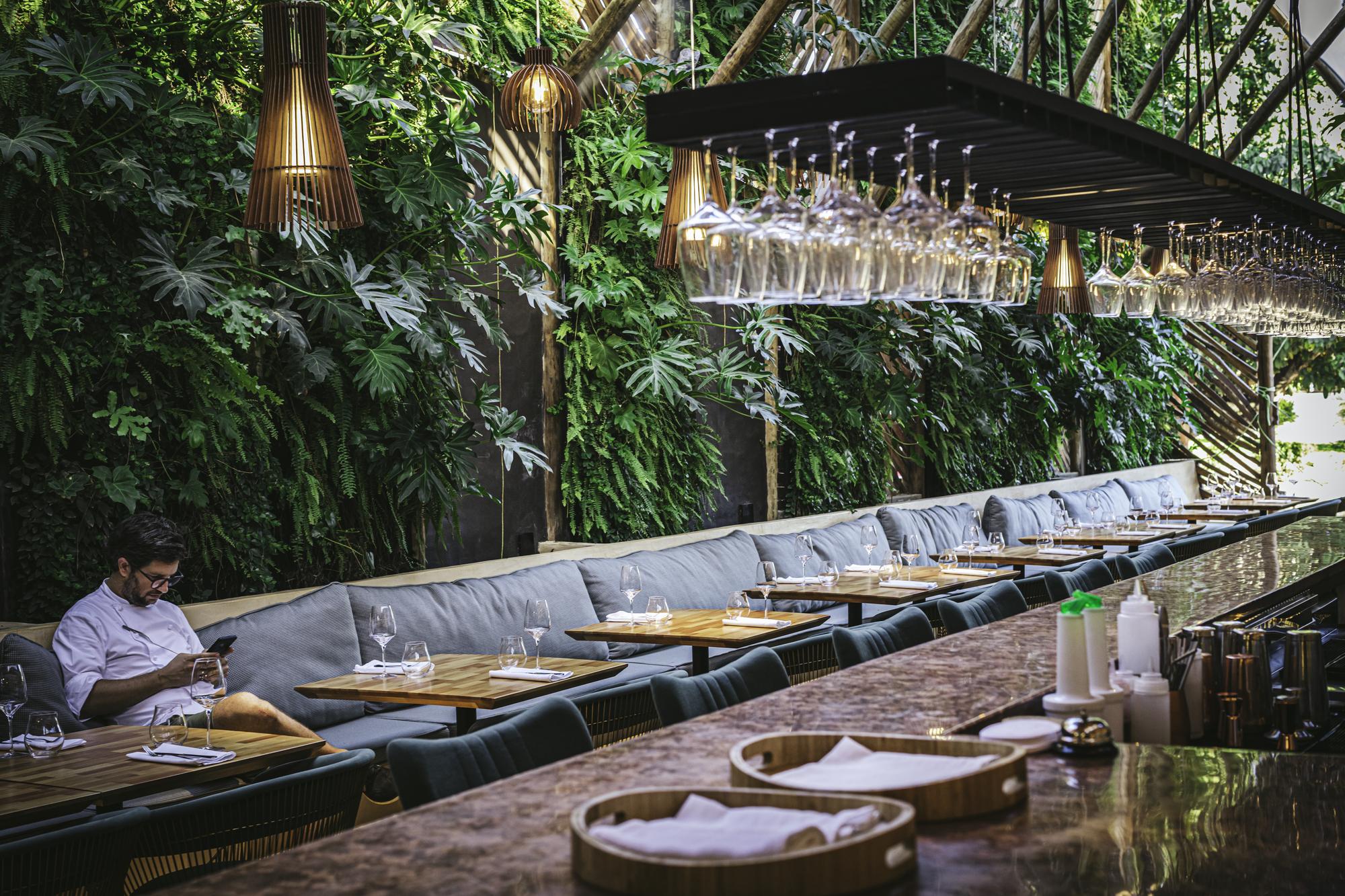 Gallery of Ello Restaurant / Mareines Arquitetura  - 2