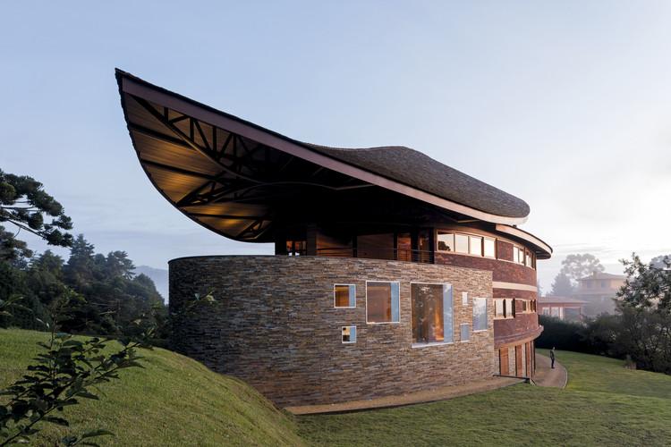 Casa Pinhão / Mareines Arquitetura + Patalano Arquitetura, © Leonardo Finotti