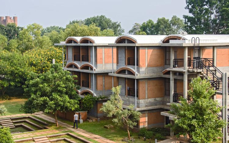 Vivienda urbana Humanscapes Habitat / Auroville Design Consultant, © Akshay Arora