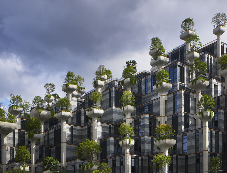 Heatherwick Reveals Latest Images of Nearly Completed 1,000 Trees Development, © Qingyan Zhu