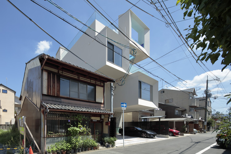 Concrete Square Tube House / EASTERN Design Office, © Koichi Torimura