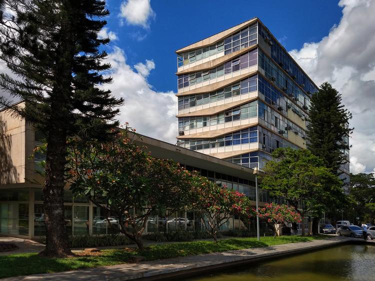Reitoria da UFMG: uma expressão do modernismo em Minas Gerais, Reitoria da UFMG. Foto: Edgardo Moreira Neto