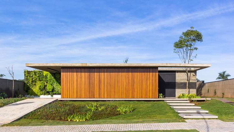 Casa Pátio / 24 7 Arquitetura, © Adriano Pacelli