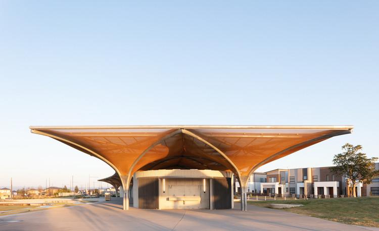 Marsden Park Amenities / CHROFI + JMD Design, © Clinton Weaver
