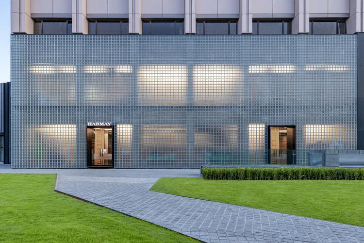 HARMAY Beijing Flagship Store / AIM Architecture, © Dirk Weiblen