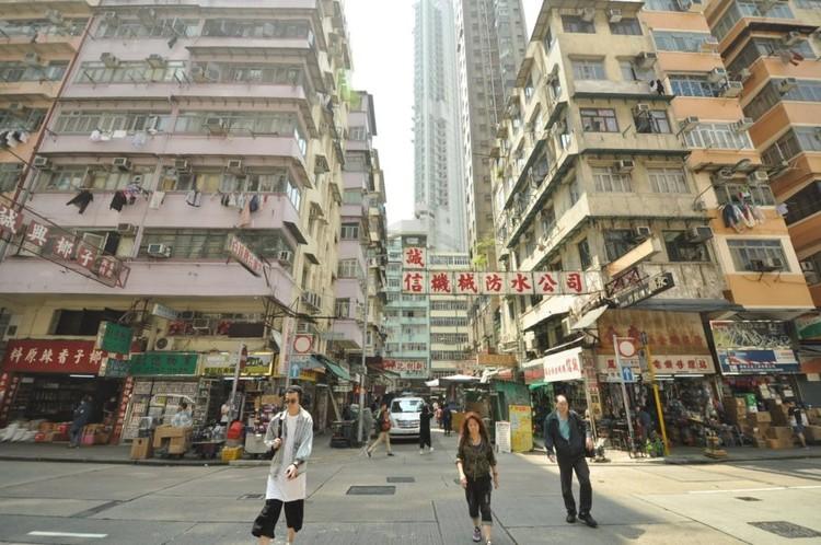 A rua na constituição do espaço urbano, Hong Kong. Imagem: Anthony Ling