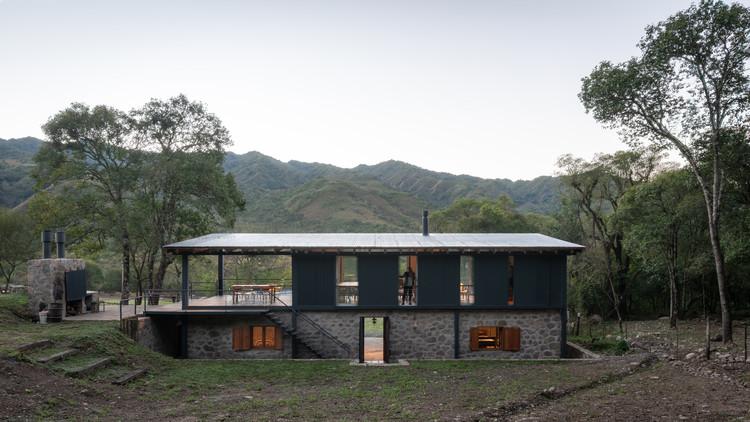 Casa las caballerizas / Carolina Vago Arquitectura, © Gonzalo Viramonte