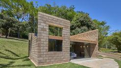 Casa sustentable / Gustavo Penna Arquiteto e Associados