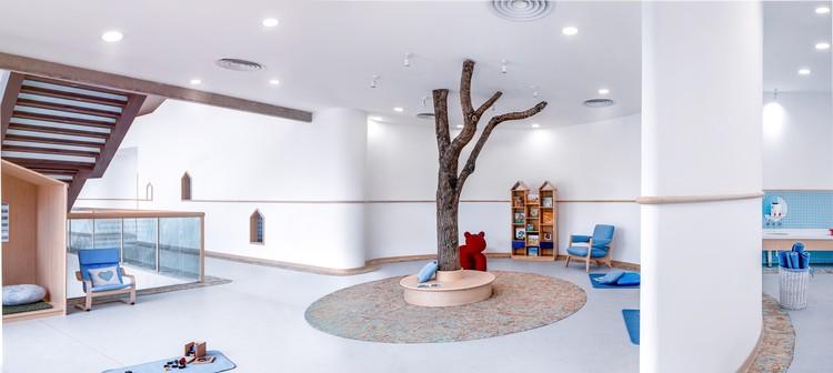 Montessori Kindergarten / ArkA. Image © Chiara Ye