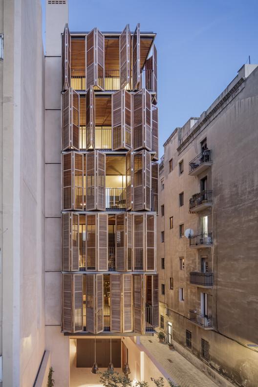 Apartment Building for Four Friends / Lussi+Halter Partner ...