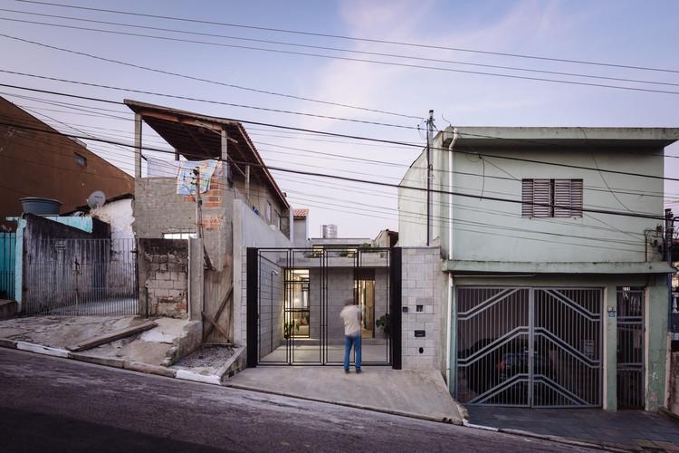 Habitação social na América Latina: urbanismo como libertação do ideal de casa, Casa en Vila Matilde / Terra e Tuma Arquitetos Associados. Imagem © Pedro Kok