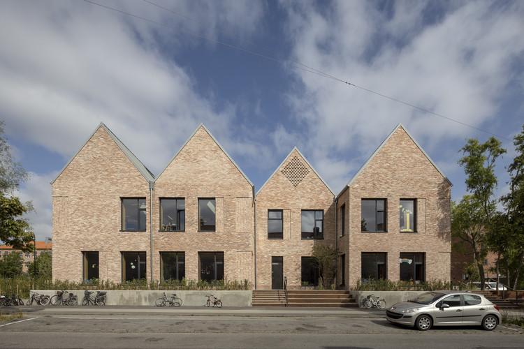 Grøndalsvængets School / JJW Arkitekter, © Torben Eskerod