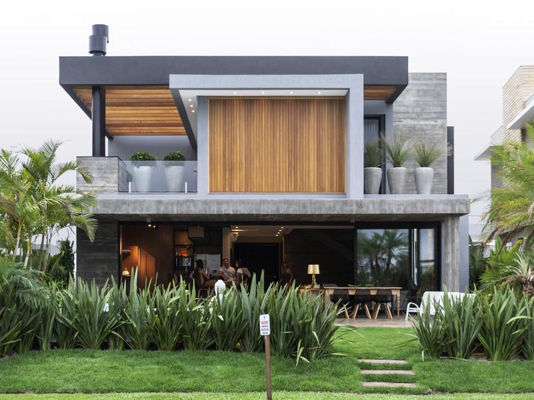 Casa 77 / Aunic Arquitetos, © Efreu Quintana