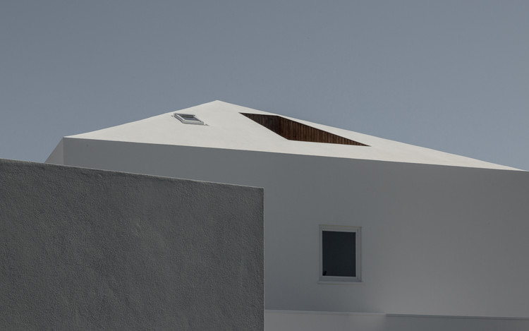 Casa NVC / Salworks, Cortesia de Salworks