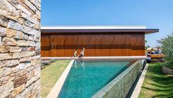 Casa KT / Mila Ricetti Arquitetura