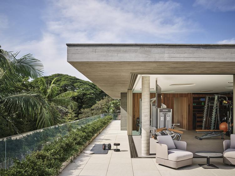 Casa CM  / Dado Castello Branco Arquitetura, © Douglas Friedman
