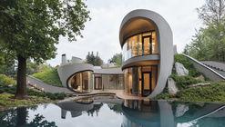 Uma casa na paisagem / Niko Architect