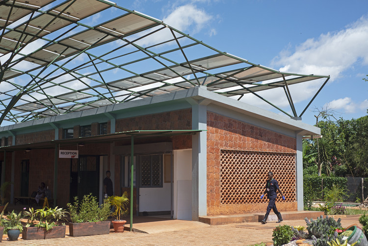 Kliment Halsband Architects on Its New Ugandan Surgical Facility , © Will Boase