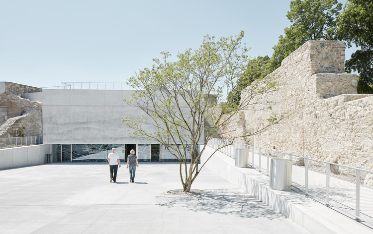 Nova Galeria e Casamatas / Bevk Perović arhitekti, © David Schreyer