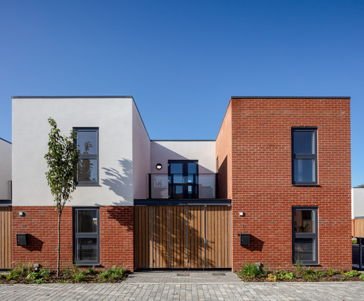 Bata Mews Housing / LOM architecture and design
