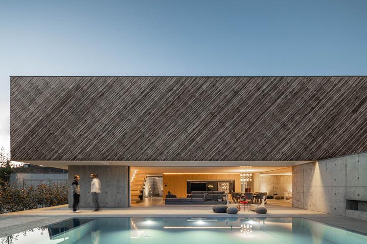 A House / REM'A, © Ivo Tavares Studio