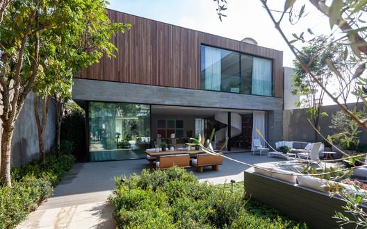 Casa Relógio / Dado Castello Branco Arquitetura