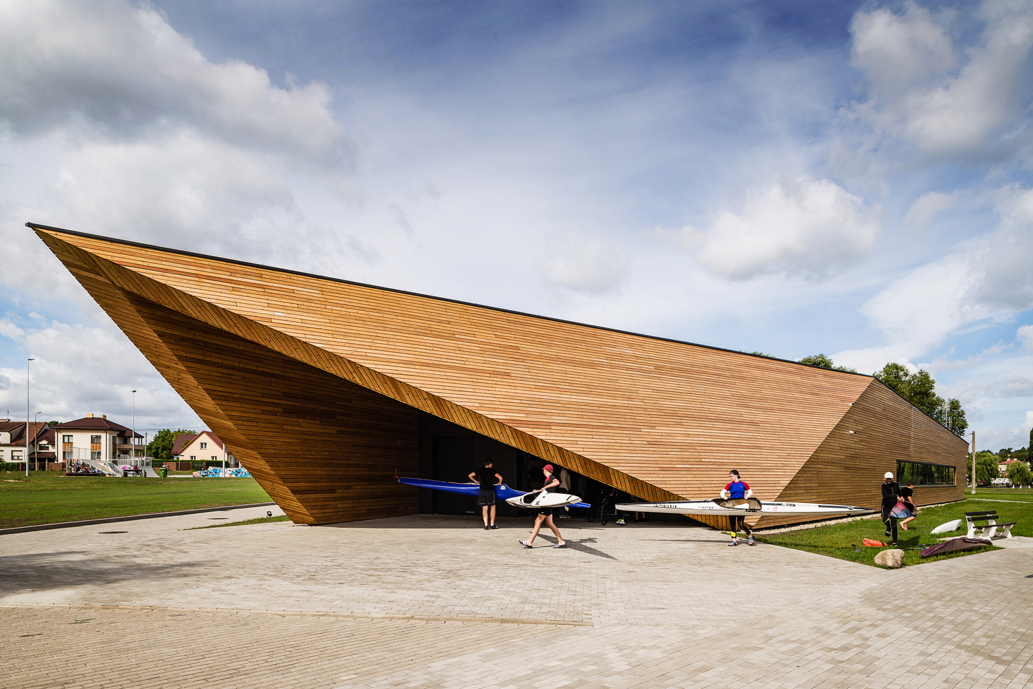 Canoeing Training Base / PSBA + INOONI