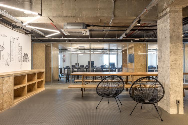 Bcredi Office / Arquea Arquitetos, © Eduardo Macarios