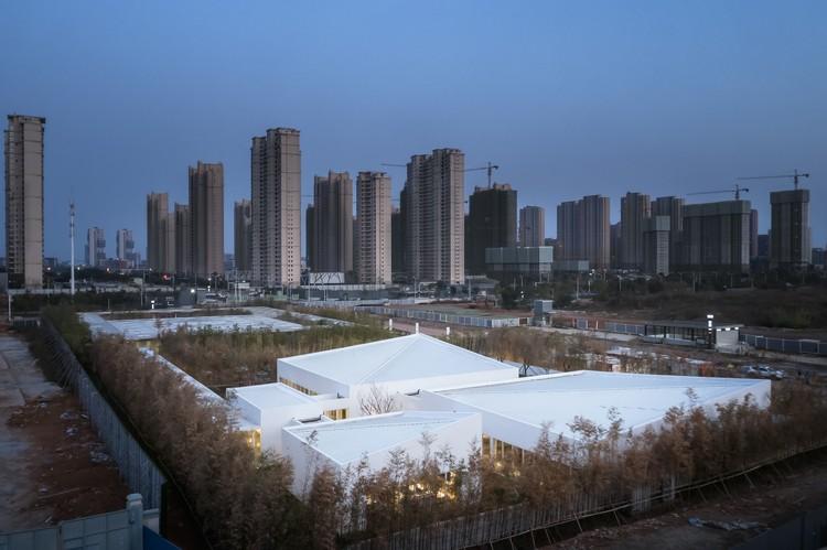 Write Box Showroom / UAO Design, Bird view. Image © Yilong Zhao