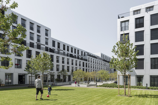 """sue&til"" – New City of Wood Housing  / ARGE suetil + weberbrunner architekten ag + Soppelsa Architekten"