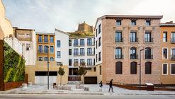 Bloque viviendas Monzon / Domper Domingo Arquitectos