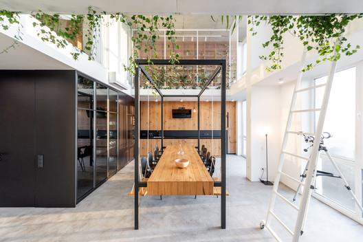 2 in 1 Apartment / studio architecture & design O.M.SHUMELDA