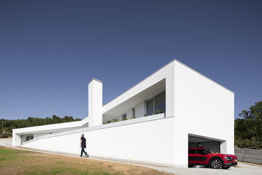 House in Lamego / António Ildefonso Arquitecto