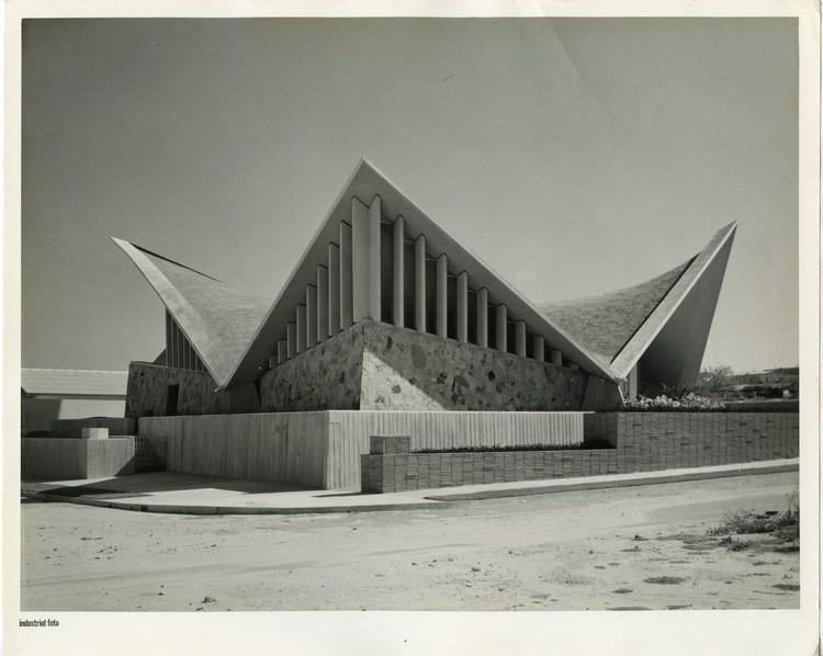 Clásicos de Arquitectura: La obra moderna de Roberto Acosta Madiedo en Barranquilla , Sinagoga Bet-el. Image vía Archivo RAMP