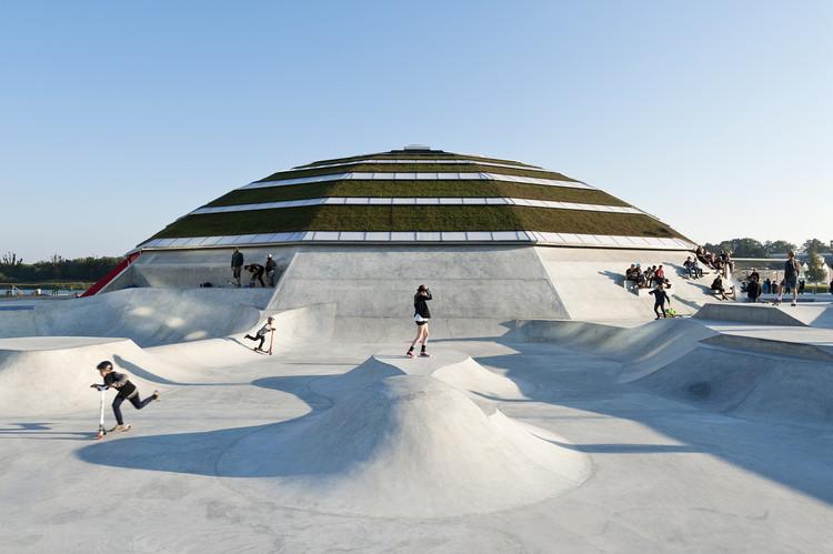 Arquitetura e espaço público: 11 pistas de skate ao redor do mundo, StreetDome / CEBRA + Glifberg - Lykke. Image © Mikkel Frost / CEBRA