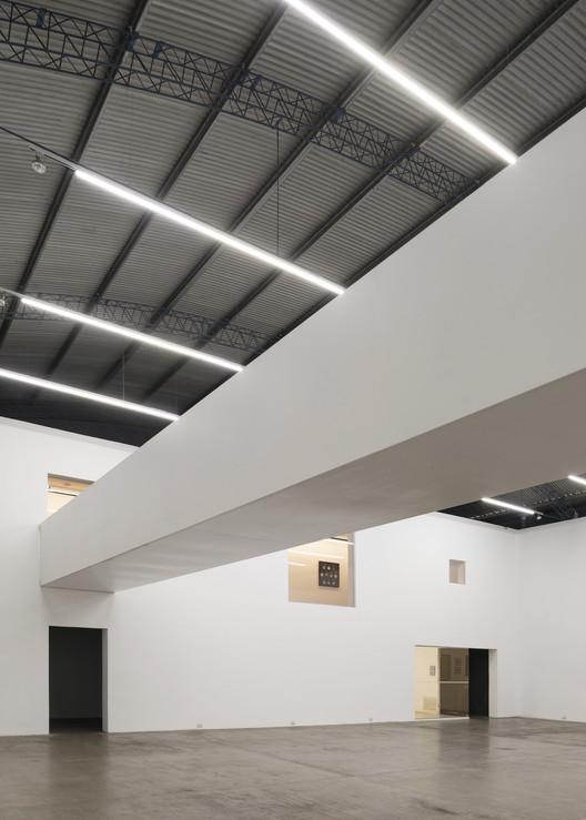 Diseño Y Arquitectura De Galeria Plataforma Arquitectura