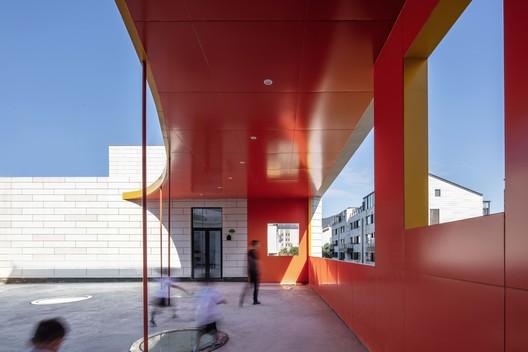 Zhihuishu Kindergarten / Portal Architecture